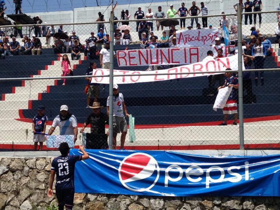 Aficionados y jugadores intercambiaron impresiones. (Foto: Fredy Hernández/Soy502)