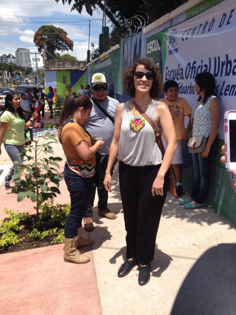 La cantautora Gaby Moreno asistió a votar este domingo. (Foto: Selene MejíaI/Soy502)