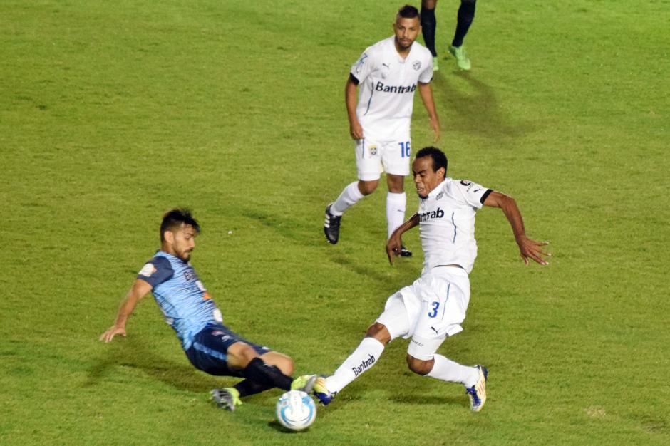 El juego tuvo oportunidades para ambas escuadras, pero fueron los locales quienes las aprovecharon. (Foto: Nuestro Diario)