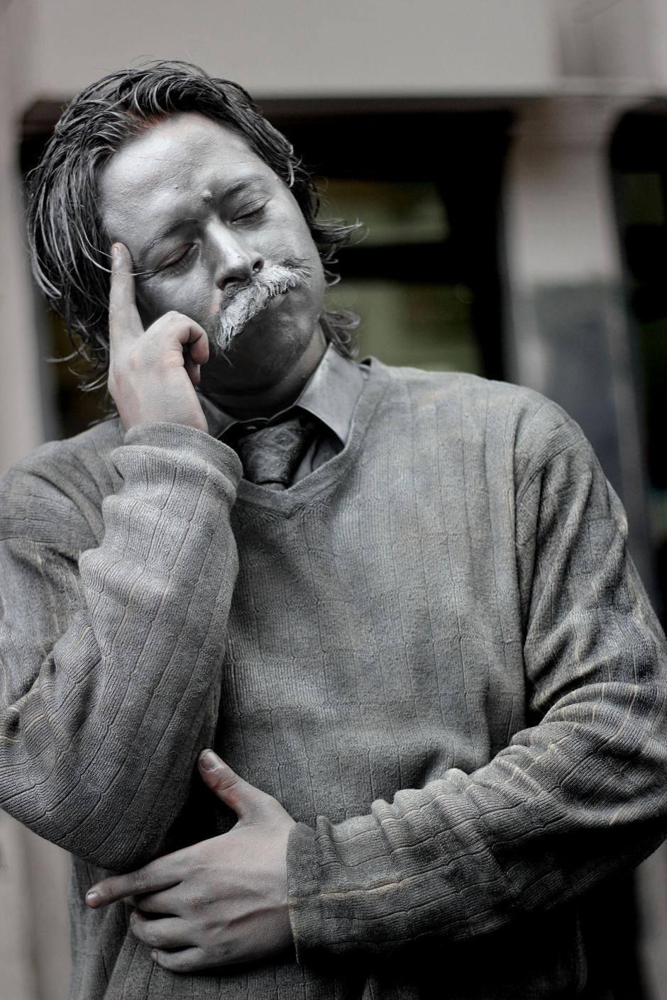 El físico alemán Albert Einstein fue uno de los personajes representados en la sexta avenida. (José Dávila/Soy502)