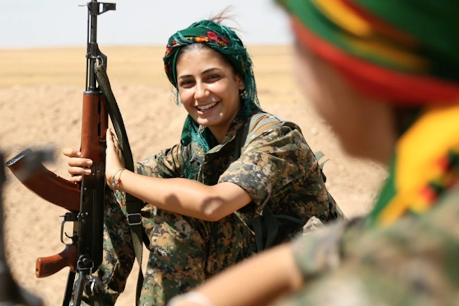 "Asia Ramazan Antar era conocida como la ""Angelina Jolie kurda"". (Foto: magazinedelledonne.it)"