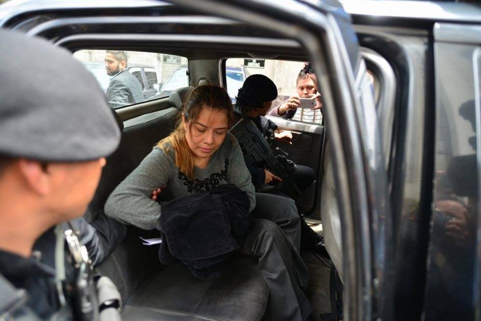 Méndez fue arrestada en su vivienda ubicada en el Encinal, zona 6 de Mixco. Su aprehensión se produce luego de cinco meses de investigaciones. (Foto: Wilder López/Soy502)