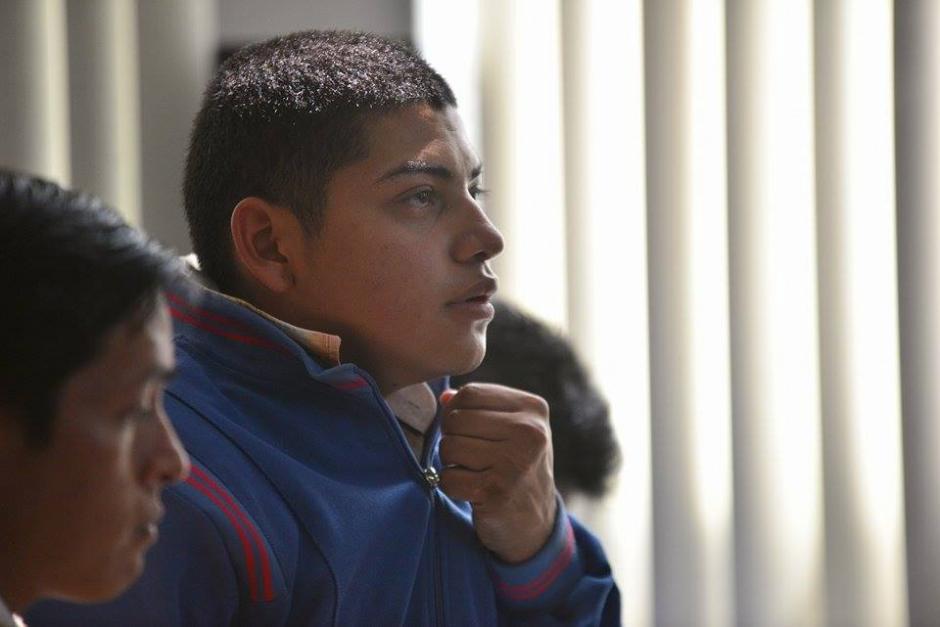 Isaac Imanuel Alvarez Monzón de 22 años sindicado de haber disparado contra el abogado Francisco Palomo en la audiencia de primera declaración. (Foto: Wiler López/Soy502)