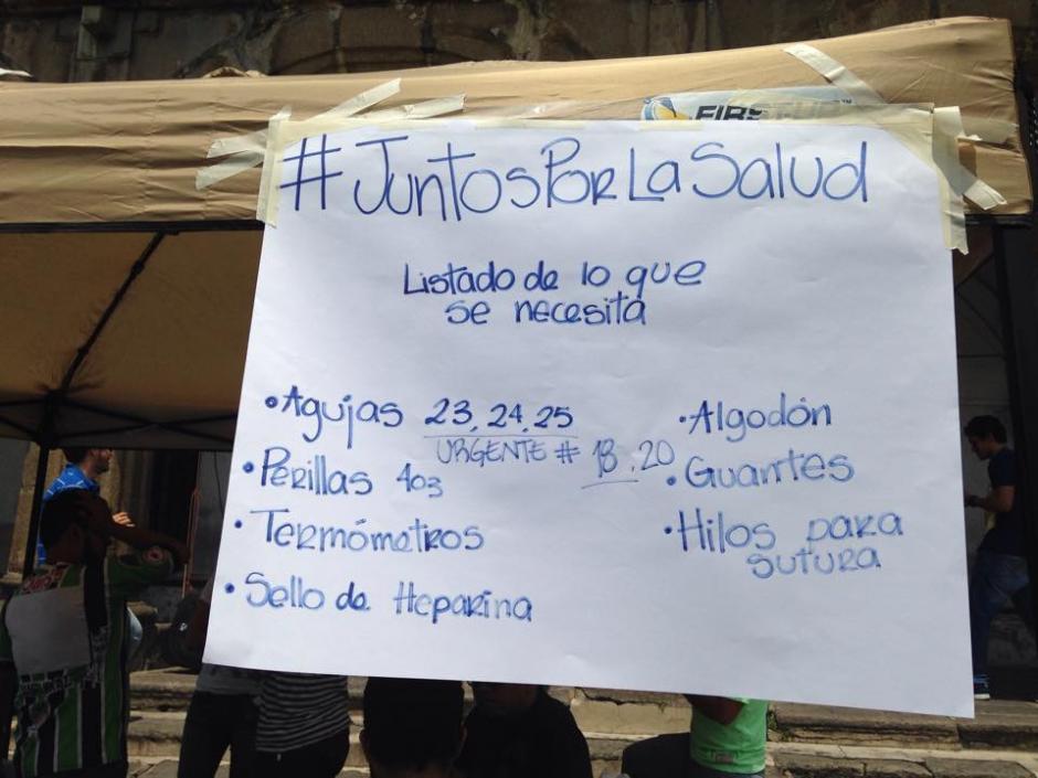 Esta es la lista de insumos que necesitan con mayor urgencia en el Hospital Nacional de Antigua Guatemala. (Foto: Fredy Hernández/Soy502)