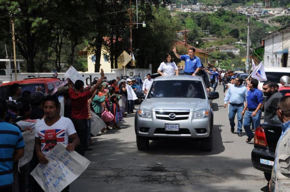 Morales continuó con la forma de hacer campaña en la primera vuelta: caravana y discurso.(Foto: Erik Sor)