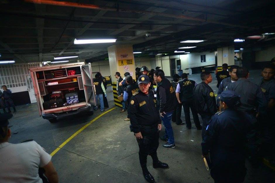 Un enfrentamiento entre pandillas se suscitó en las carceletas de la Torre de Tribunales, donde un hombre falleció y dos más resultaron heridos. (Foto: Wilder López/Soy502)