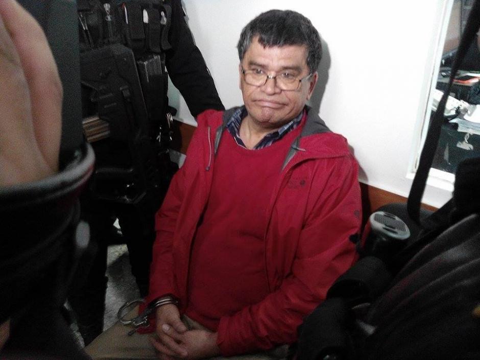 Además del alcalde Arnoldo Medrano, han sido capturadas tres personas más, sindicadas de lavado de dinero y uso de documentos falsos. (Foto: Alejandro Balán/Soy502)