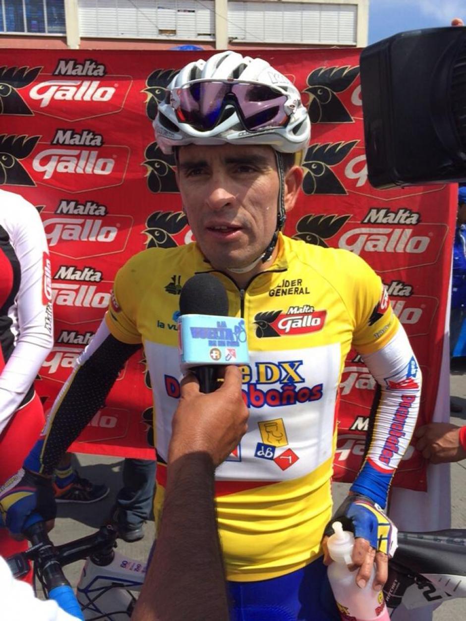 El pedalista quetzalteco Manuel Rodas sigue líder general, pero el tico Villalobos se le acerca.(Foto: Nuestro Diario)