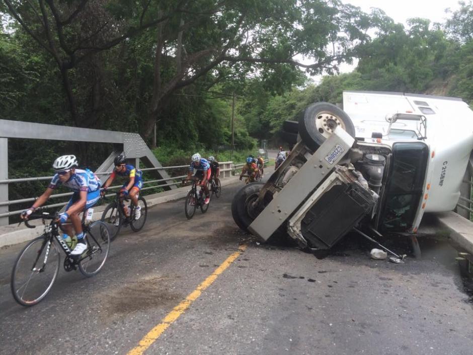 La caravana se encontró un accidente en el camino