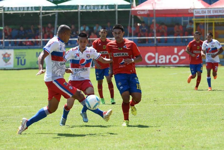 Municipal no pudo abrir el marcador en su estadio ante los actuales líderes del torneo. (Foto: Sergio Muñoz/Nuestro Diario)