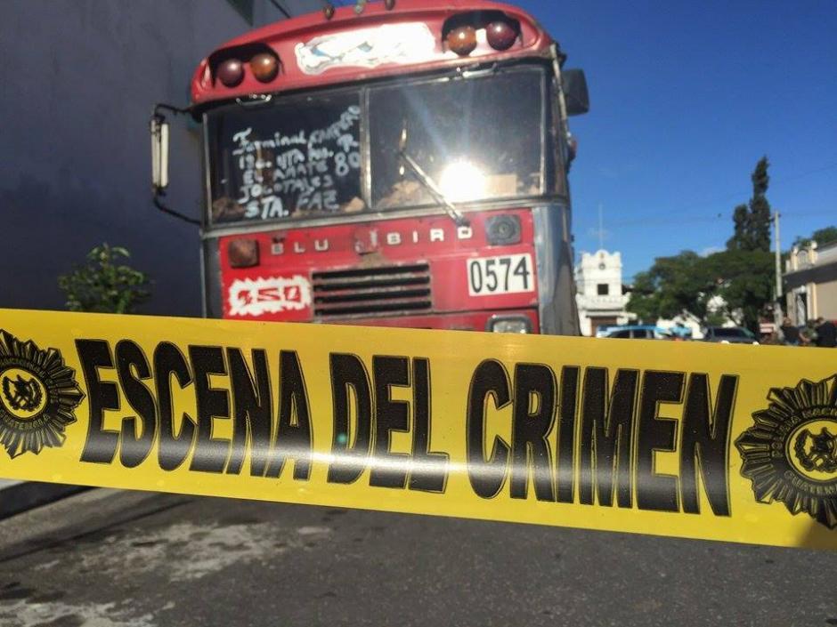 El piloto de un bus de la ruta 80R fue atacado a balazos en la zona 6 capitalina. (Foto: Jesús Alfonso/Soy502)