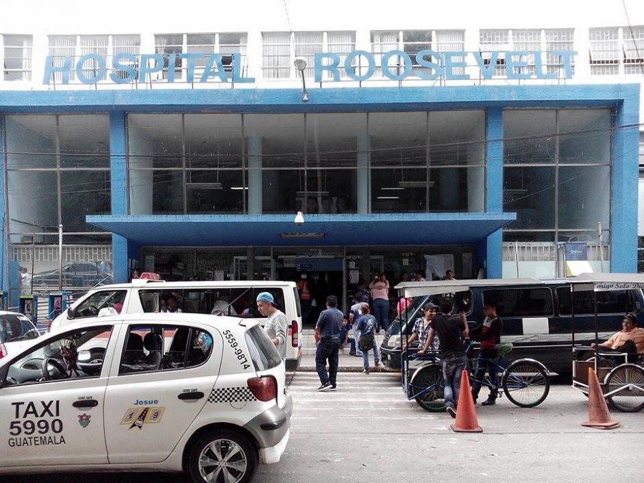 La consulta externa del Hospital Roosevelt permanece cerrada por falta de insumos desde hace varios días. (Foto: Alejandro Balán/Soy502)