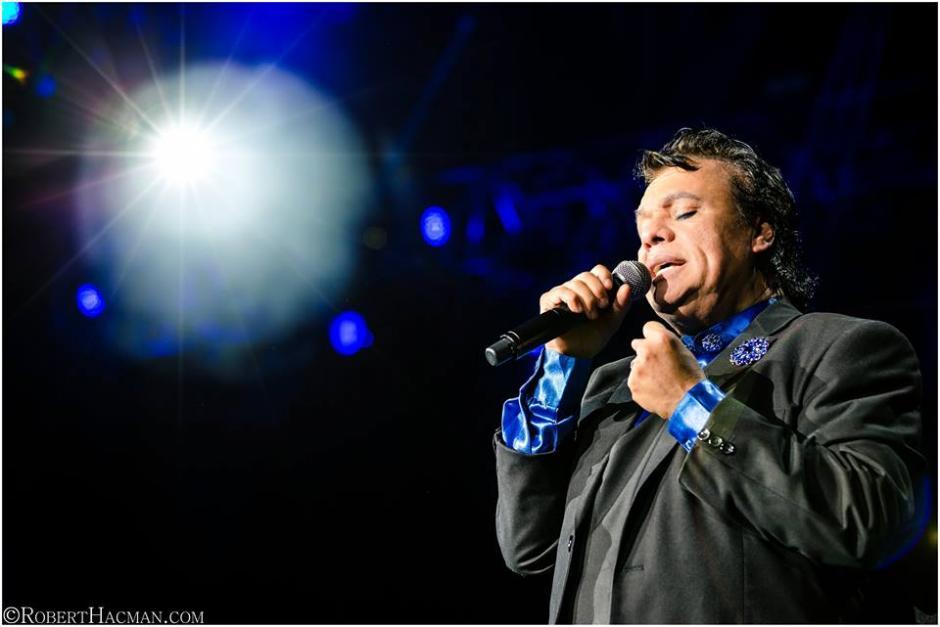 """Juan Gabriel presentaba su gira """"MéXXico es Todo"""" en Estados Unidos. (Foto: Facebook Juan Gabriel)"""