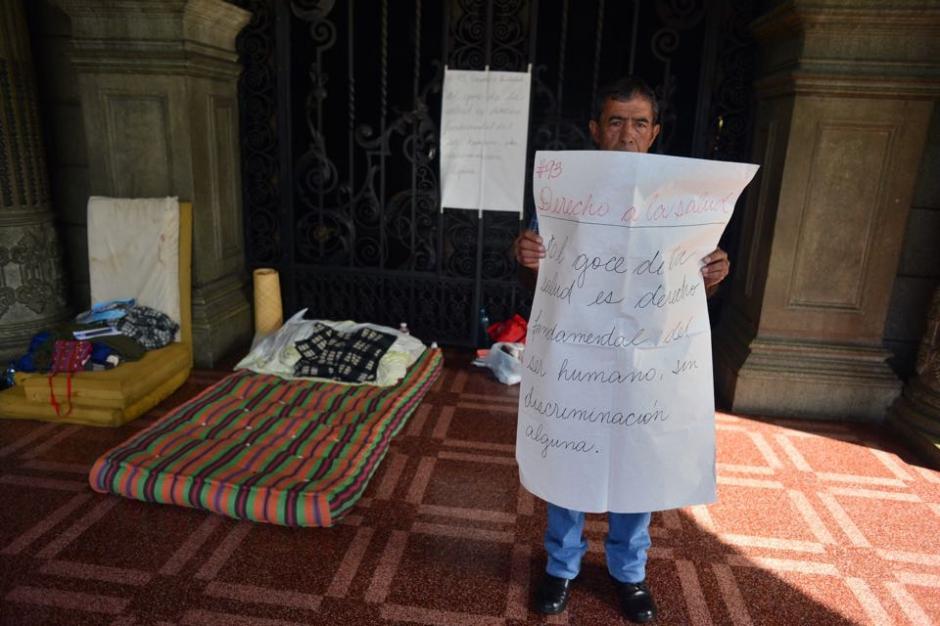 Carlos Hernández necesita una intervención quirúrgica y al no ser atendido se puso en huelga de hambre desde el pasado viernes. (Foto: Jesús Alfonso/Soy502)