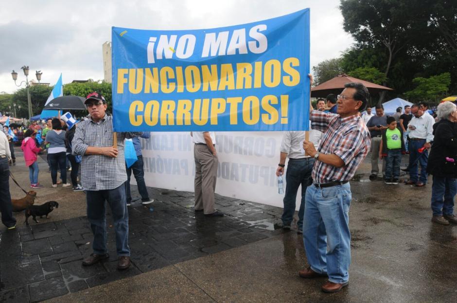 Los guatemaltecos piden que no hayan más funcionarios corruptos. (Foto: Alejandro Balán/Soy502)