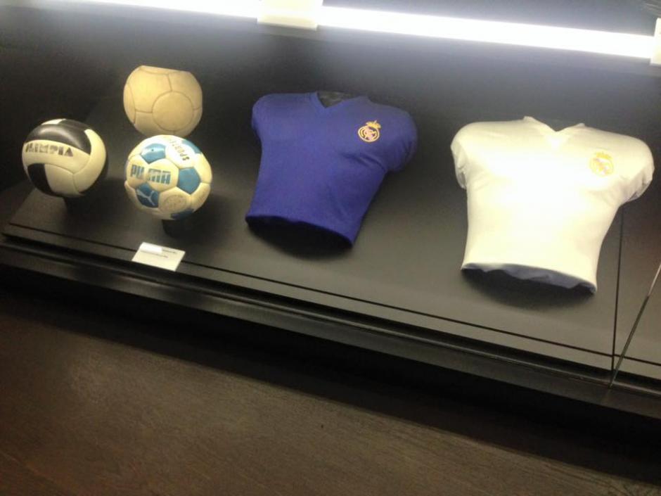 Ana Lucía Martínez, comparte fotografías de uniformes antiguos que se exhiben en el museo en el estadio Santiago Bernabéu. (Foto: Ana Lucía Martínez)