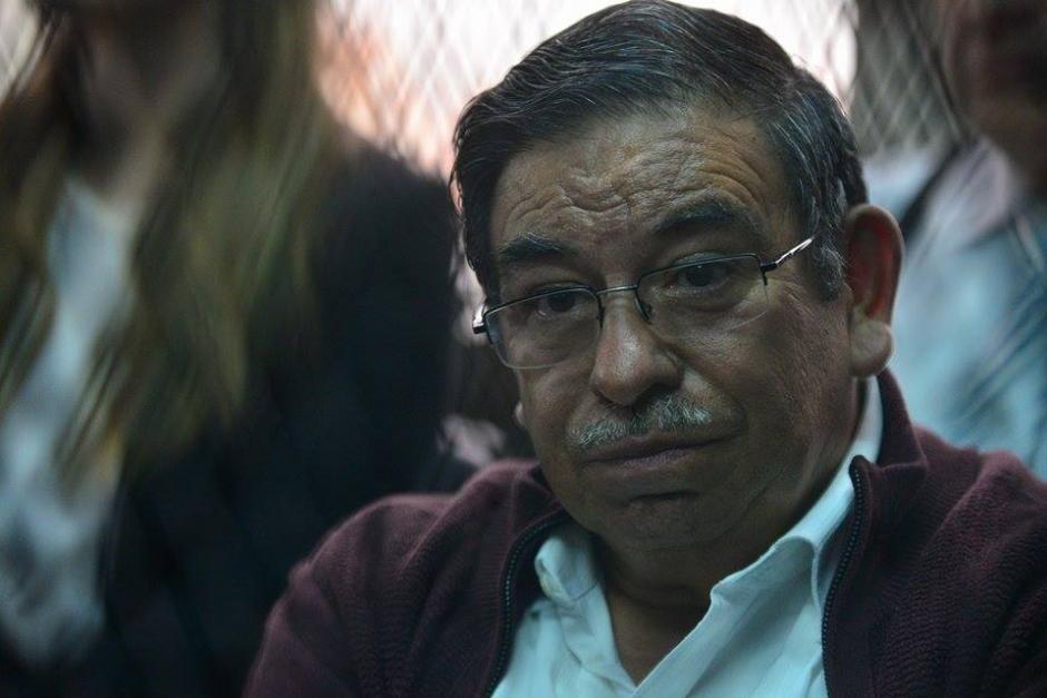 El exviceministro de Energía y Minas, Edwin Rodas, fue dejado en libertad condicional. El exfuncionario es acusado de cometer asociación ilícita. (Foto: Wilder López/Soy502)