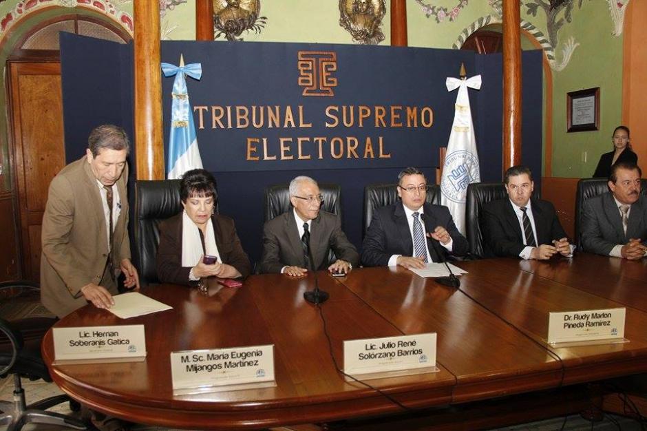 Los Magistrados del Tribunal Supremo Electoral (TSE) dieron a conocer el listado de los Diputados que integrarán el Congreso durante los próximos cuatro años. (Foto: Jorge Sente/Soy502)