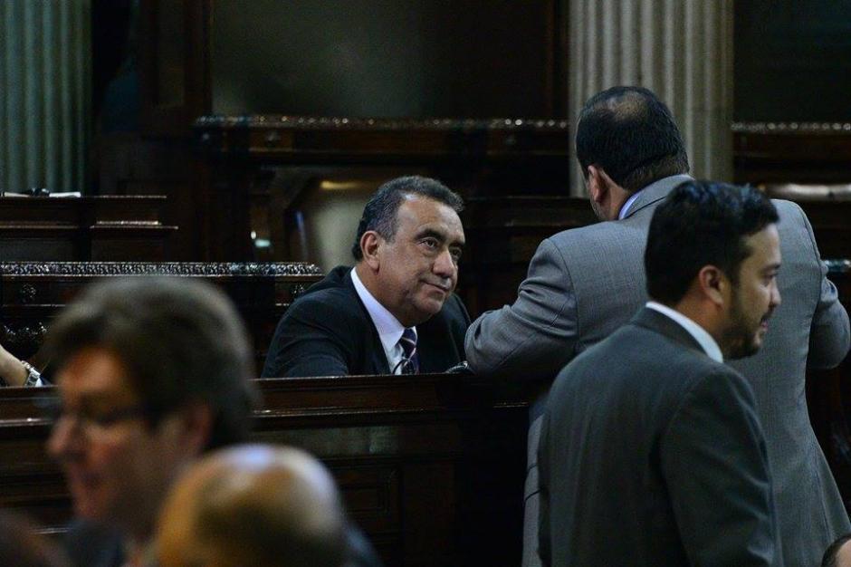 Al frente, el diputado Jaime Martínez Lohayza, sobre quien existe una investigación por financiamiento electoral ilícito. (Foto: Wilder López/Soy502)