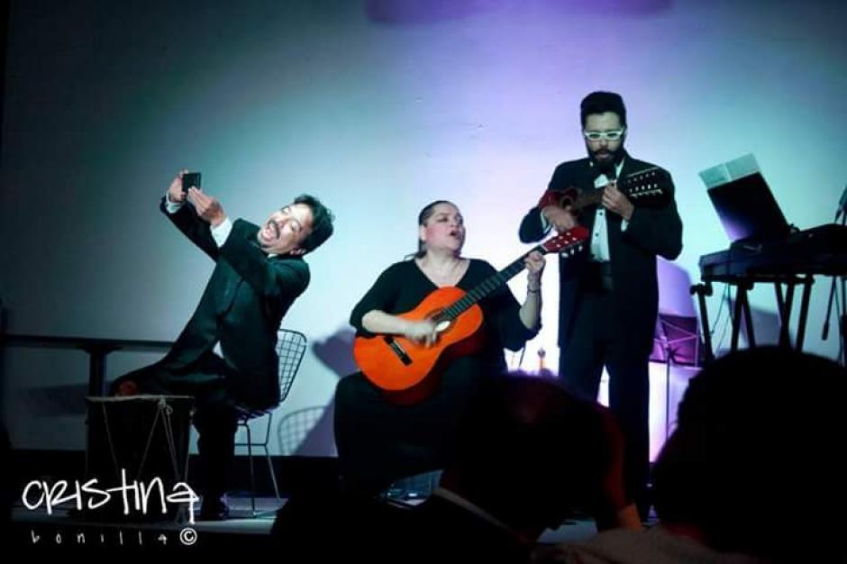 Sarmientos también se destaca por sus actuaciones en teatro. (Foto: Facebook Mónica Sarmientos)