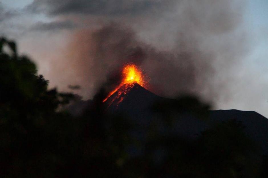 El volcán de Fuego desató su furia de nuevo estes domingo. (Foto: Cortesía María Eugenia Wannam)