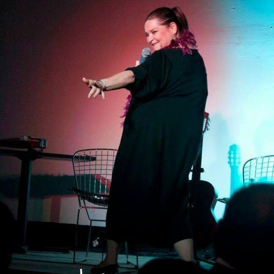 Mónica Sarmientos sorprende con su talento en cada presentación (Foto: Facebook Mónica Sarmientos)