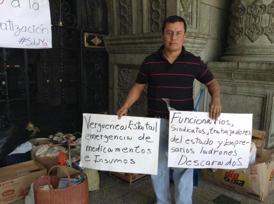 Los ciudadanos también mostraron su descontento por la administración del Ministerio de Salud. (Foto: Marcia Zavala/Soy502)
