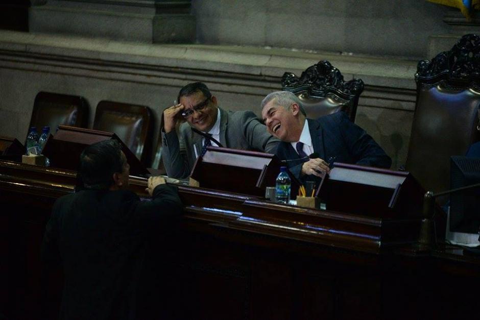 Selvin García (izquierda) y Luis Rabbé, integrantes de la Junta Directiva del Congreso. (Foto: Wilder López/Soy502)