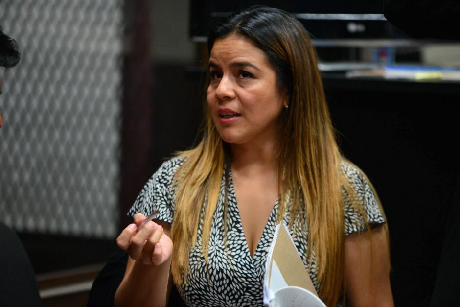 """La exintendente de Aduanas Claudia Méndez estuvo presente durante la declaración como anticipo de prueba de Salvador Estuardo González """"Eco"""". (Foto:  Wilder López/Soy502)"""
