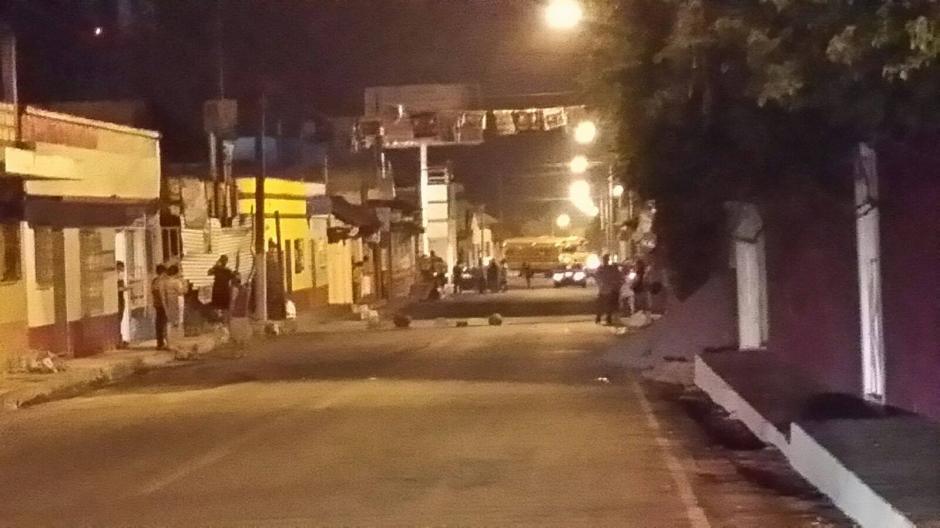 Tensión se vivió en el municipio de La Democracia, Escuintla por los disturbios. (Foto: Luis García/Nuestro Diario)
