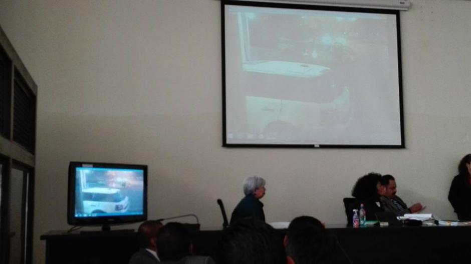 Un video de los Bomberos Municipales muestra cuando Fariñas se estrella en una estación tras el ataque. (Foto: Marcia Zavala/Soy502)