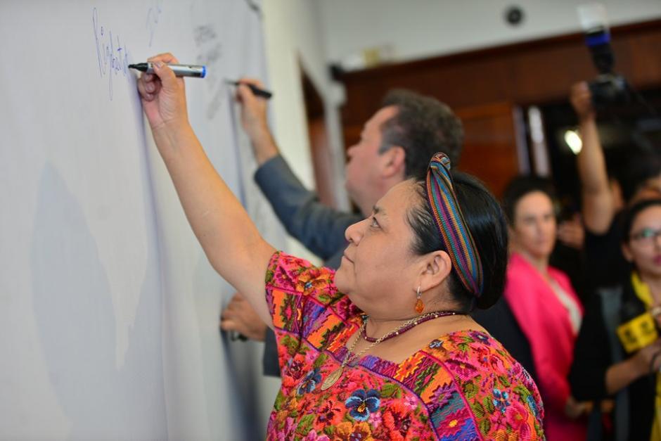 Rigoberta Menchú, Premio Nobel de la Paz, también participó en la actividad. (Foto: Wilder López/Soy502)