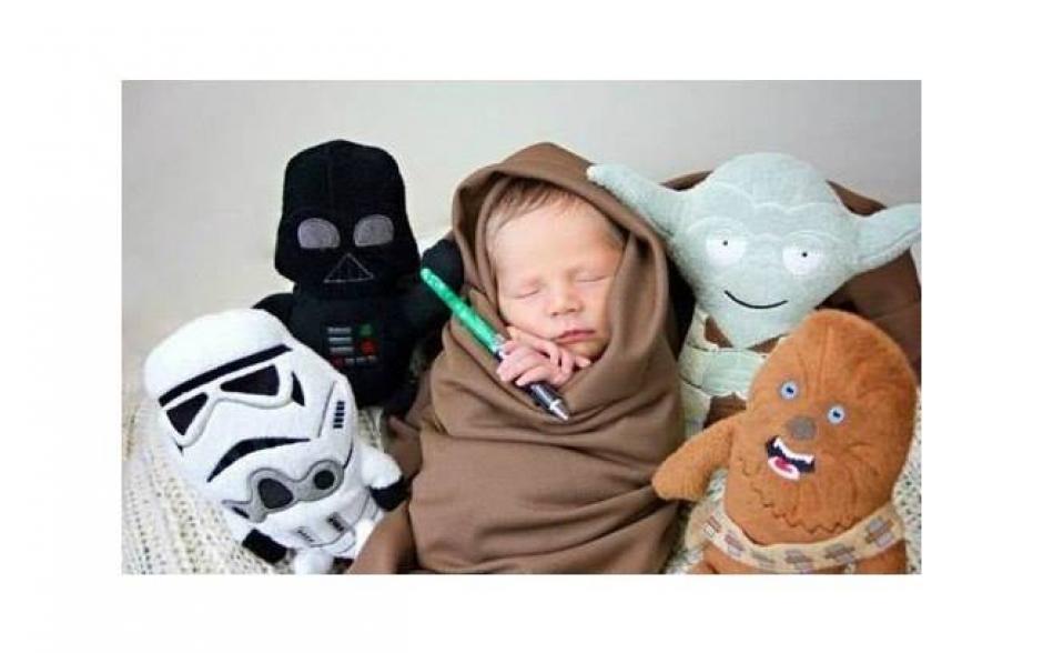 Los padres disfrazan a sus hijos de Star Wars. (Facebook/Alex Andrade)
