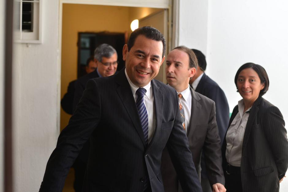 El presidente electo Jimmy Morales se reunió con el Procurador de Derechos Humanos, Jorge de León Duque para un recorrido por las instalaciones centrales de la institución. (Foto: Wilder López/Soy502)