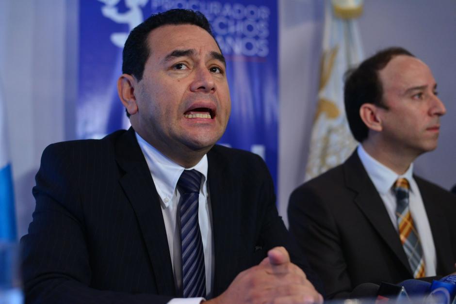 Jimmy Morales, Presidente electo recorrió las instalaciones de la Procuraduría de Derechos Humanos (PDH) junto al magistrado de conciencia Jorge de León Duque. (Foto: Wilder López/Soy502)