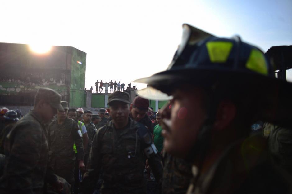 Un fuerte incendio afectó un área de La Terminal. (Foto: Jesús Alfonso/Soy502)