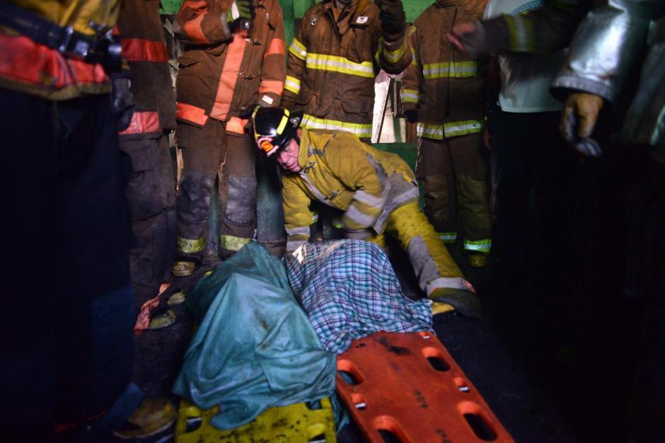 Dos niñas fallecidas ha sido el saldo trágico de este incendio. (Foto: Jesús Alfonso/Soy502)