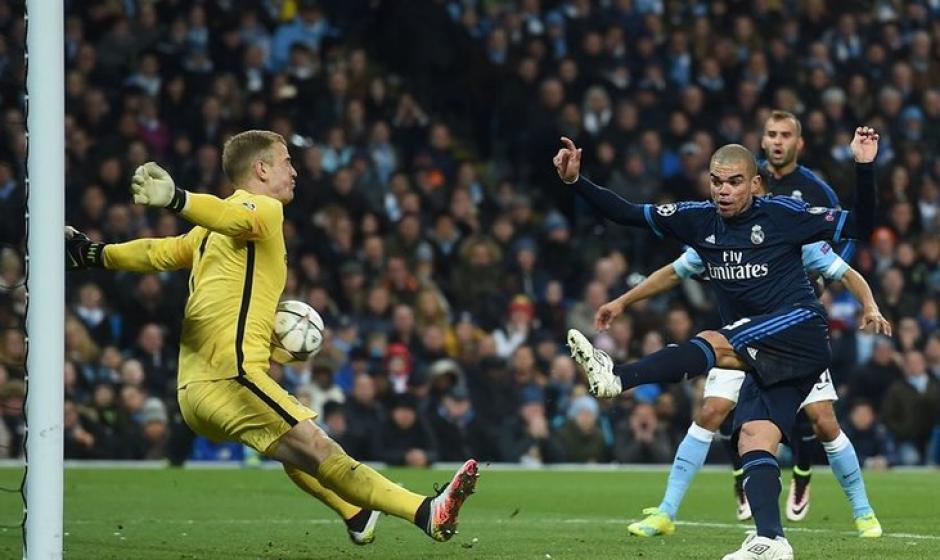 Otro ángulo de la atajada de Hart a Pepe. (Foto: elnuevodiario.com.ni)