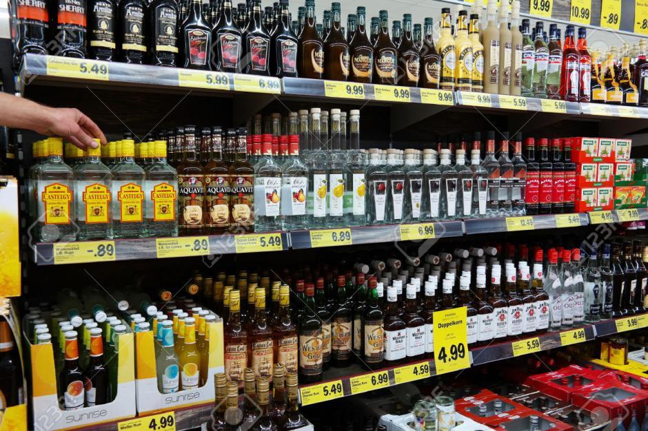 El alcohol es uno de los productos más robados dentro de supermercados. (Foto: 123rf.com)