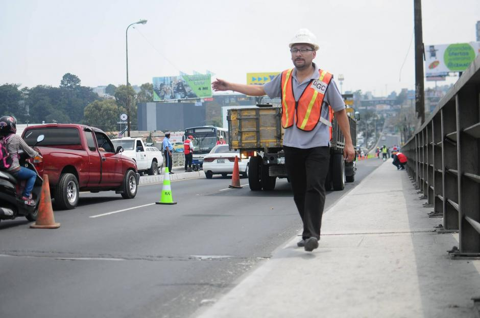 Ingenieros de la Dirección General de Caminos participaron en las evaluaciones. (Foto: Alejandro Balán/Soy502)