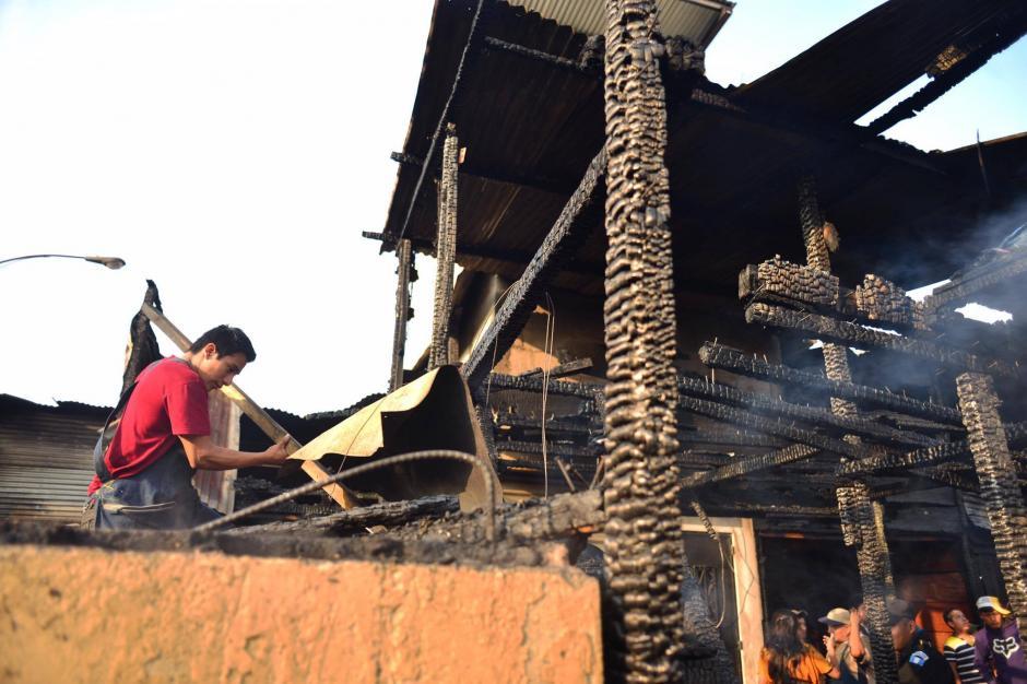 Aunque el incendio se sofocó, causó muchos daños. (Foto: Jesús Alfonso/Soy502)