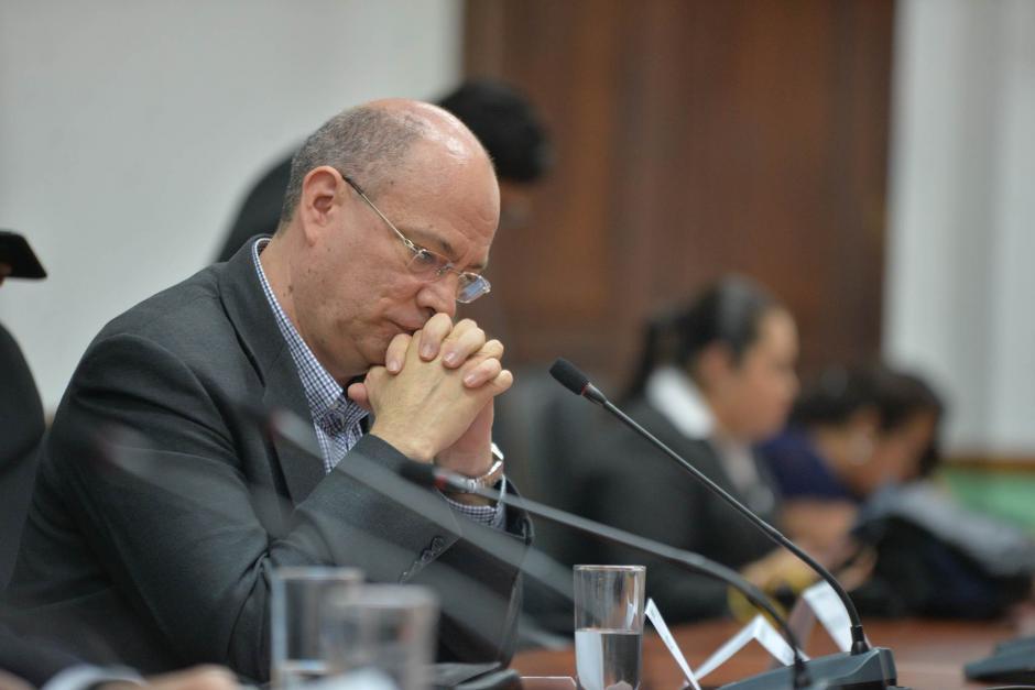 Bernardo López, presidente del Consejo de Administración de Banrural se mostró pensativo durante la reunión. (Foto: Wilder López/Soy502)