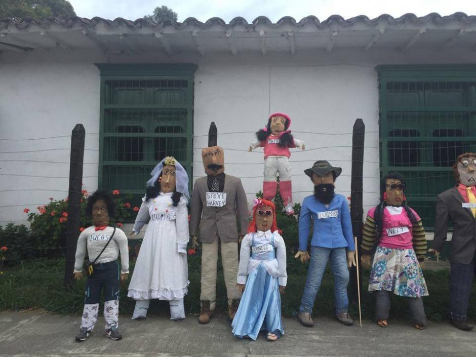 Cada país tiene su forma peculiar de despedir el año viejo, muchos queman fuegos artificiales y en Colombia queman personajes. (Foto: Soy502)