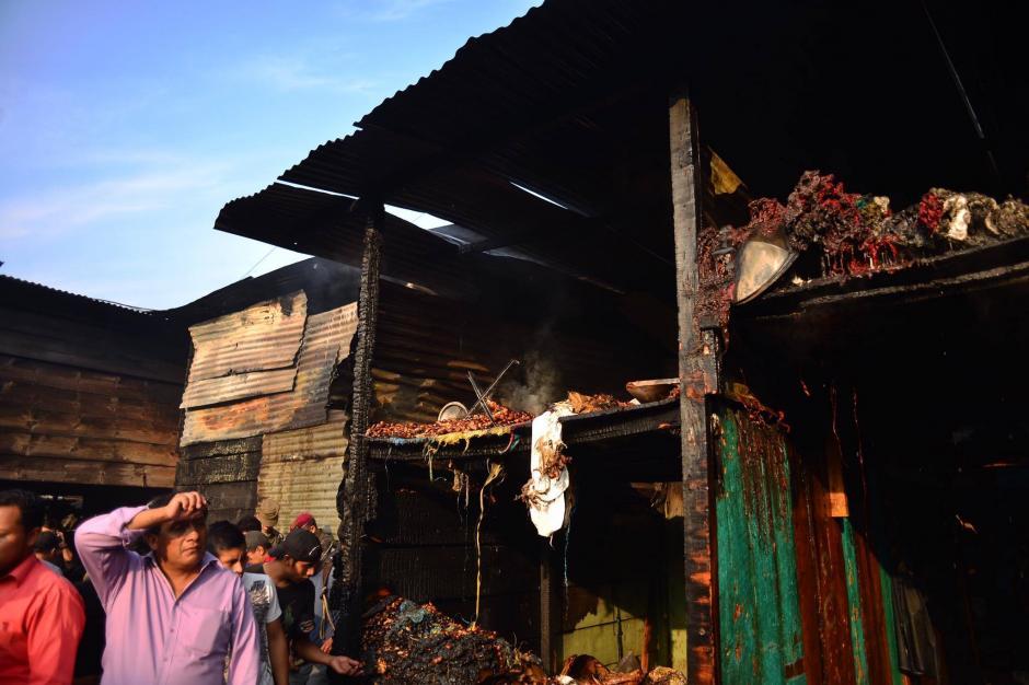 Un incendio se registró este viernes en La Terminal. (Foto: Jesús Alfonso/Soy502)