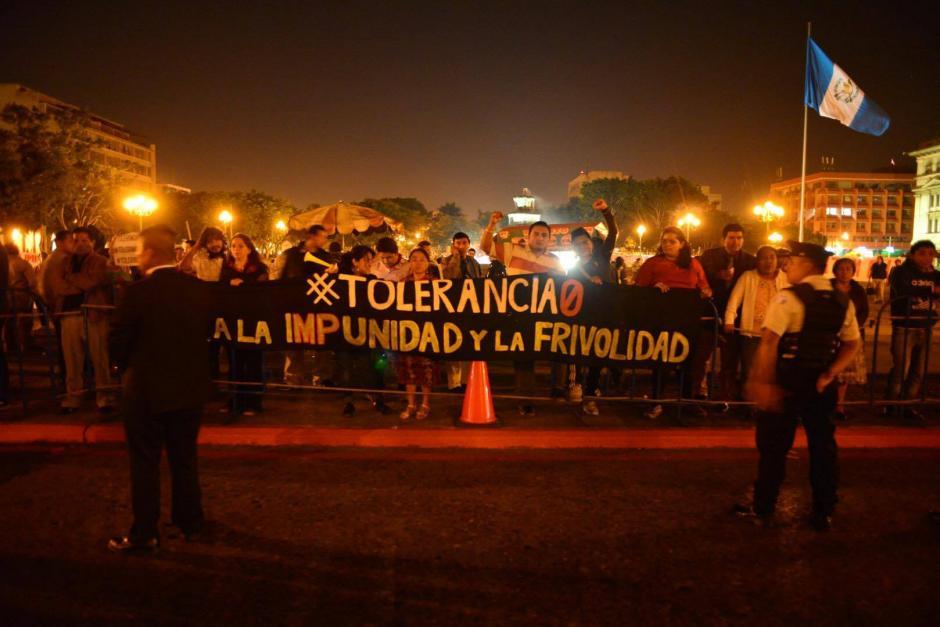 Los manifestantes se pronunciaron para advertirle al mandatario que no habrá tolerancia a la impunidad. (Foto: Jesús Alfonso/Soy502)