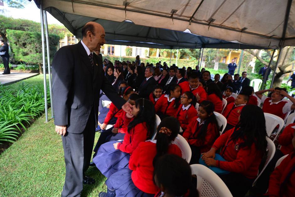 El Ministro de Educación, Rubén Alfonso Ramírez, participa en la inauguración del Ciclo Escolar 2016. (Foto: Wilder López/Soy502)