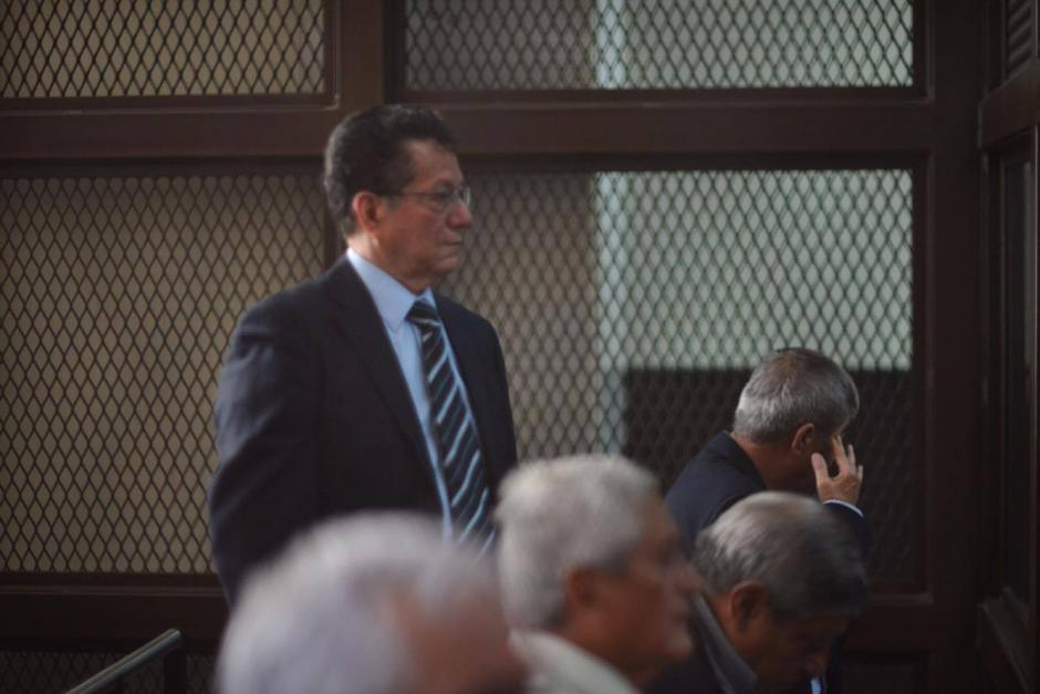 Los 16 militares retirados que fueron capturados recientemente en el inicio de la audiencia de primera declaración en el Juzgado de Mayor Riesgo. (Foto: Jesús Alfonso)