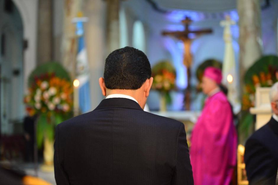 Jimmy Morales participó en el tradicional Te Deum en Catedral Metropolitana. (Foto: Jesús Alfonso/Soy502)