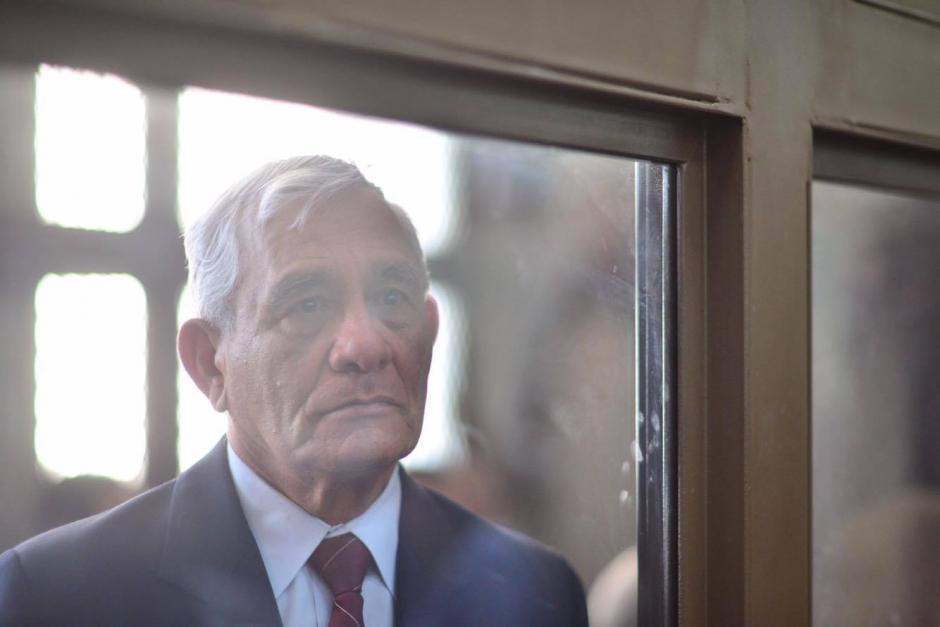 El militar retirado José Antonio Vásquez García en la audiencia de primera declaración por un caso de desapariciones forzadas durante el conflicto armado interno. (Foto: Jesús Alfonso/Soy502)