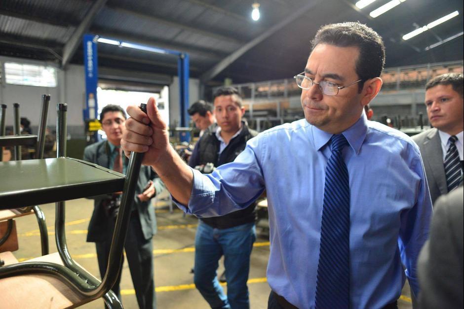 El presidente visitó las instalaciones militares del Servicio de Material de Guerra para revisar la construcción. (Foto: Jesús Alfonso/Soy502)